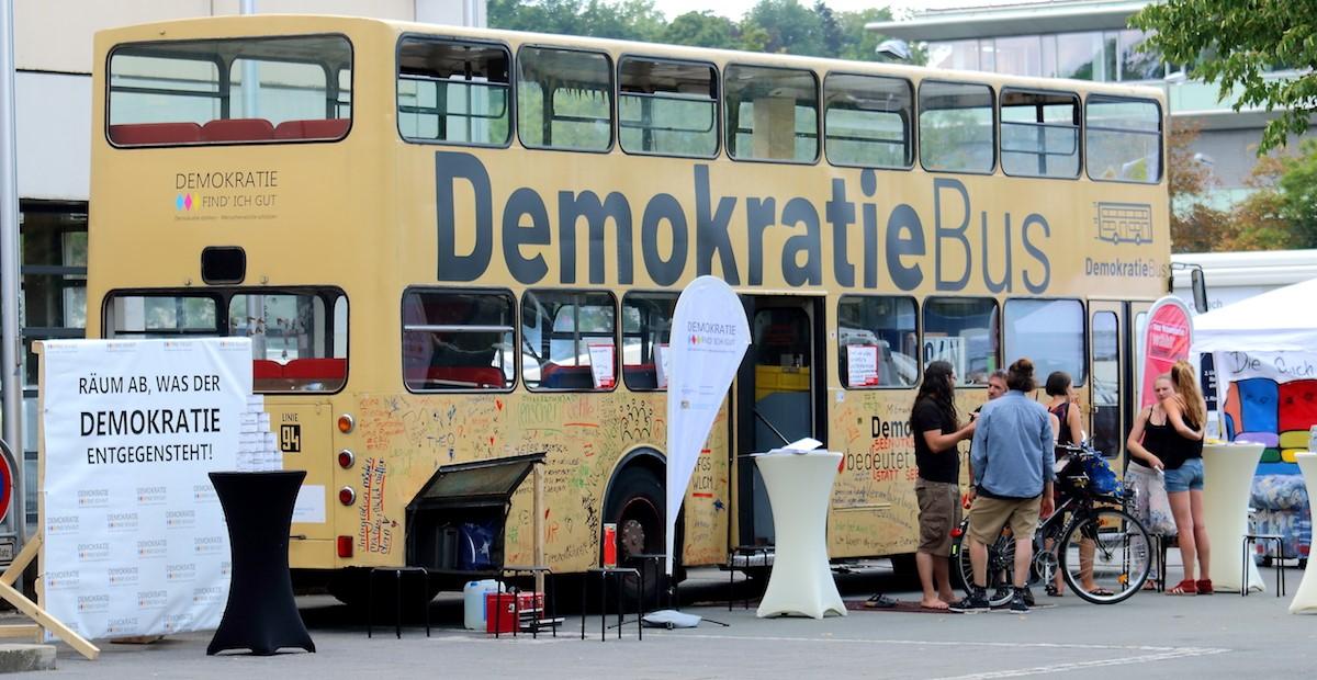 Ländlichen Raum stärken mit dem Demkratiebus