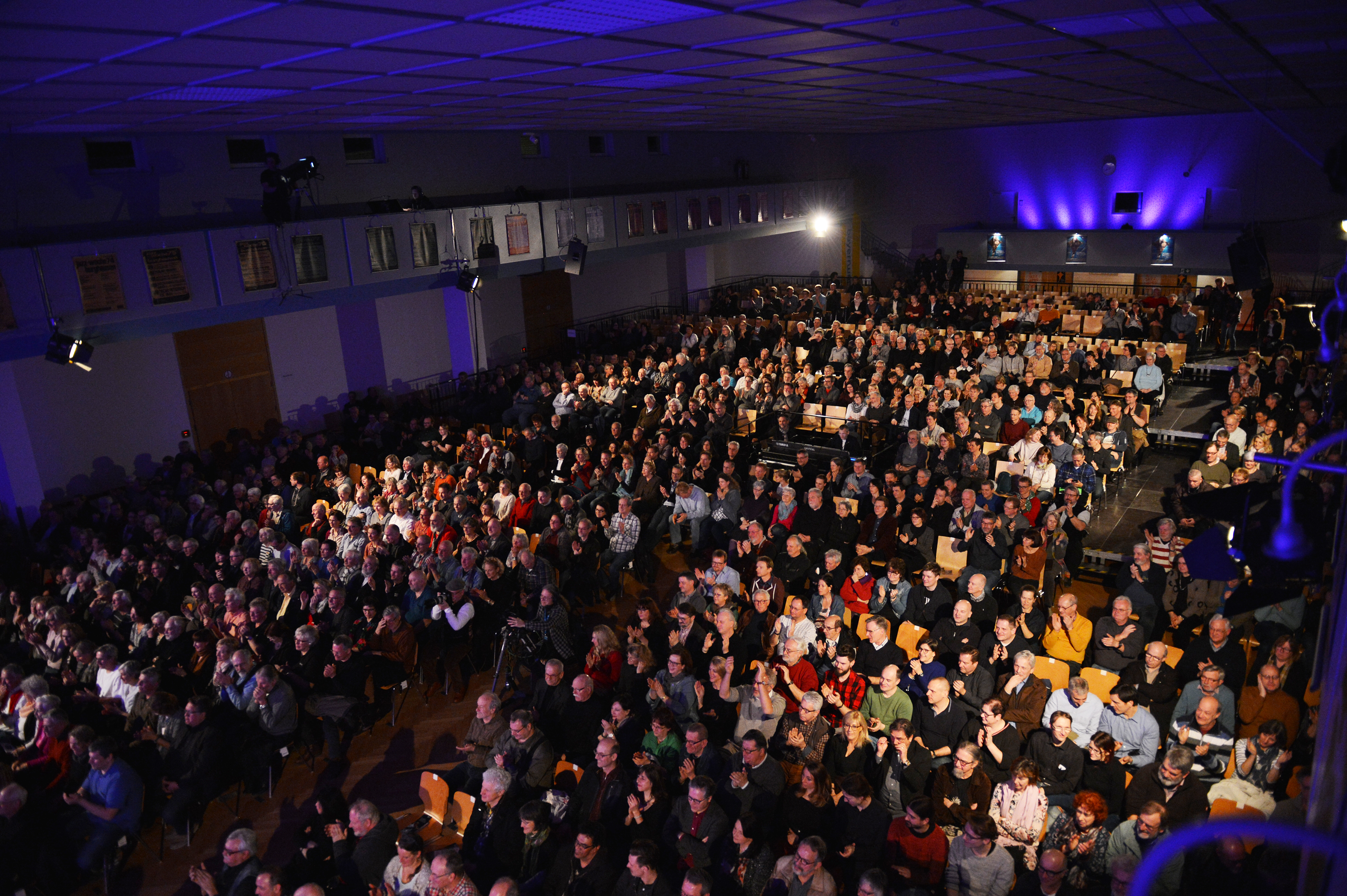 """Kultur in der Kommune: Prall  gefüllte  Wackerhalle  beim  Konzert  der  Kultband    """"  Blood,  Sweat  &  Tears  """"    bei  der    Internationalen  Jazzwoche  Burghausen  2018"""