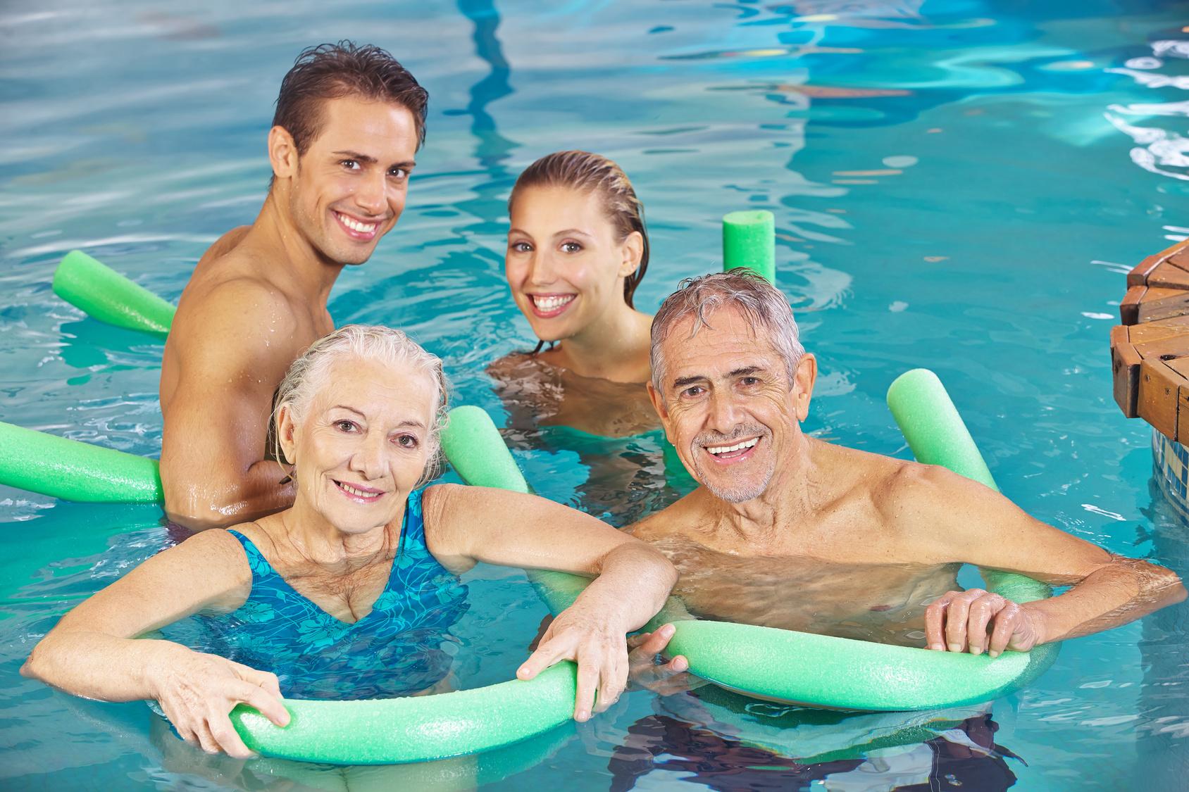 Immer mehr Schwimmbädern droht das Aus - die Zahl der Nichtschwimmer steigt!