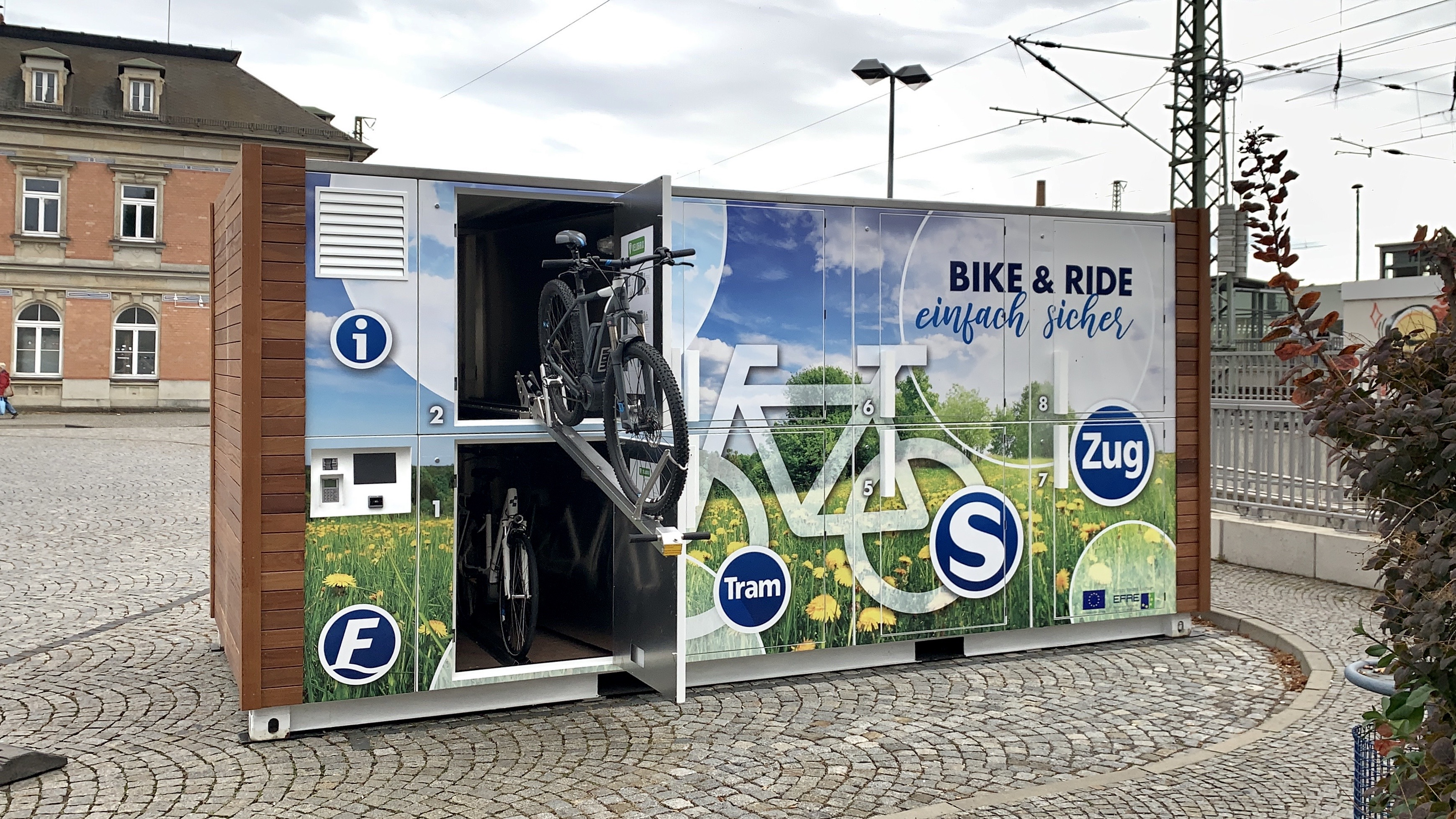 Der Velobrix L ist schnell und vielseitig einsetzbar. Eine Innovation aus Chemnitz geliefert an Kommunen in ganz Deutschland.