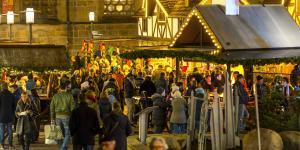 Weihnachtsbeleuchtungen haben in Kommunen ähnlich lange Tradition wie Weihnachtsmärkte