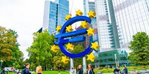 Gerd Landsberg warnt vor den Auswirkungen eines Erstarkens der AfD auf die Wirtschaft und Deutschlands Rolle im internationalen Kontext.