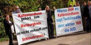 Demo gegen eine Gemeindefusion vor dem Landtag in Thüringen