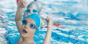 1400 Schwimmbäder wurden seit der Jahrtausendwende geschlossen - den Kommunen fehlt das Geld - erstmals muss sich dank einer Petition nun der Bundestag mit dem Thema beschäftigen!