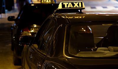 Die Landkreise Lichtenfels und Kulmbach übernehmen die Hälfte der Taxi-Kosten von Jugendlichen