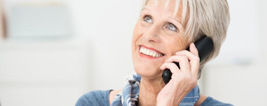 Das Seniorentelefon soll einsamen älteren Menschen eine Möglichkeit zu Kontakt und Austausch geben.