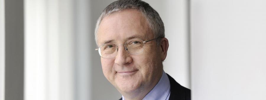 Professor Manfred Güllner spricht über Kommunalpolitik