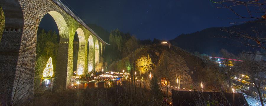 Einer der schönsten Weihnachtsmärkte - in der Ravennaschlucht