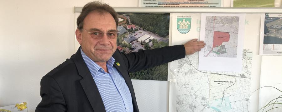 Arne Christiani, der Bürgermeister von Grünheide spricht über Tesla