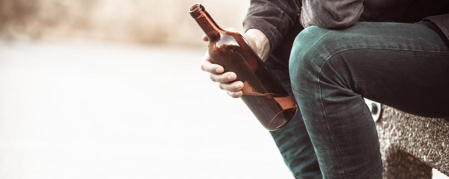 Mit Süchtigen Lösungen finden, statt Alkoholverbote verhängen - Das ist ein Versuch, der in Solingen für Erfolge sorgt.
