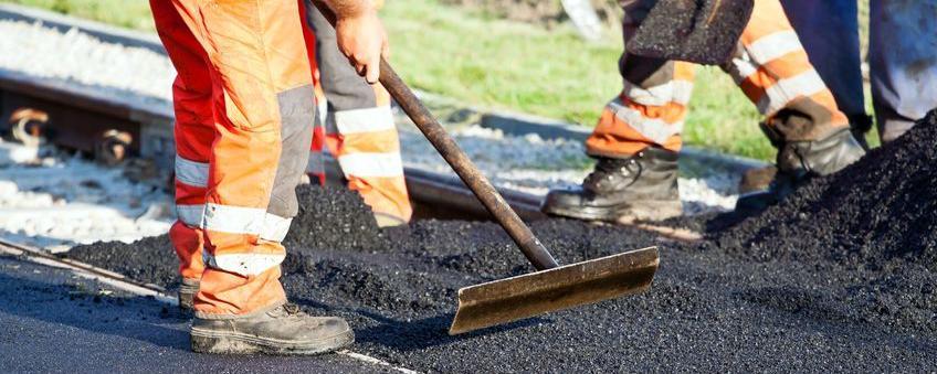 Die Straßenausbaubeiträge sollen auch in Sachsen-Anhalt abgeschafft werden - nur ein neues Gesetz ist noch nicht beschlossen - viele Kommunen stecken deshalb in der Zwickmühle