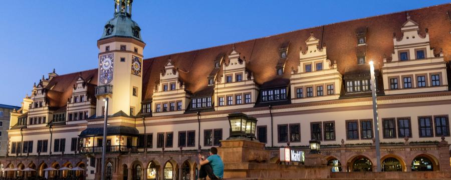 Gegen das alte Rathaus in Leipzig gab es heute eine Bombendrohung - schnell gab die Polizei Entwarnung!