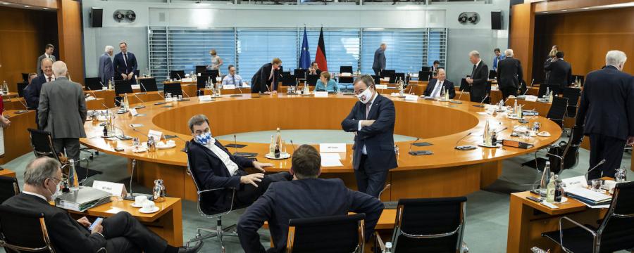 Kanzlerin Merkel und die Regierungschefs haben über neue Corona-Regeln diskutiert (Bild vom Treffen am 17.6.)