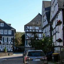 Die malerischen Fachwerkhäuser von Freudenberg locken Touristen an