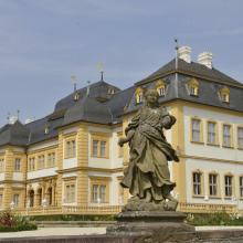 profitiert vom Brexit: Veithöchheim (hier zu sehen das Schloss)