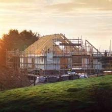 Kommunen sollen Grundstückseigentümer bald eine Baupflicht leichter auferlegen können - das Baugesetzbuch soll verschärft werden