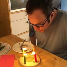 Geburtstag vor den Kommunalwahlen: Ein Tweet von Erlangens OB Florian Janik