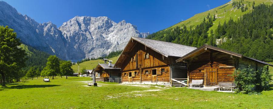 Hütte in den Bergen in  Bayern