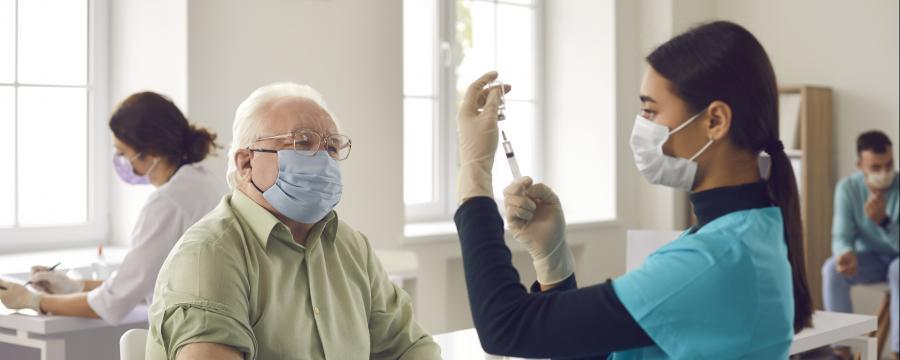 Senioren werden zuerst geimpft.