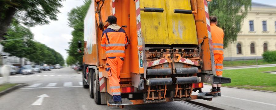 Die Müllabfuhr ist eine wichtige Aufgabe, die Geld bringen kann.