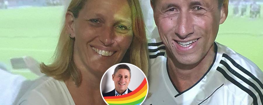 Zur Fußball EM sind sie fast alle im Hotel seiner Stadt - Bürgermeister Christoph Böck wird zum Autogrammjäger