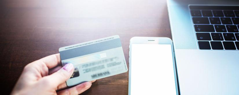 smartphone speichert Personalausweis
