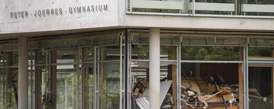 Flutkatastrophe in Bad Neuenahr - Blick in ein Klassenzimmer des örtlichen Gymnasiums