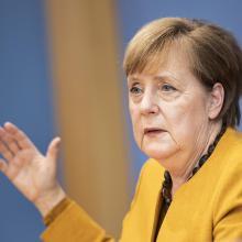 Kanzlerin Merkel erklärt um kurz vor 22 Uhr die neuen Corona-Lockdown Ergebnisse