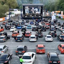 Autokino - organisiert von der Kommune in Corona-Zeiten
