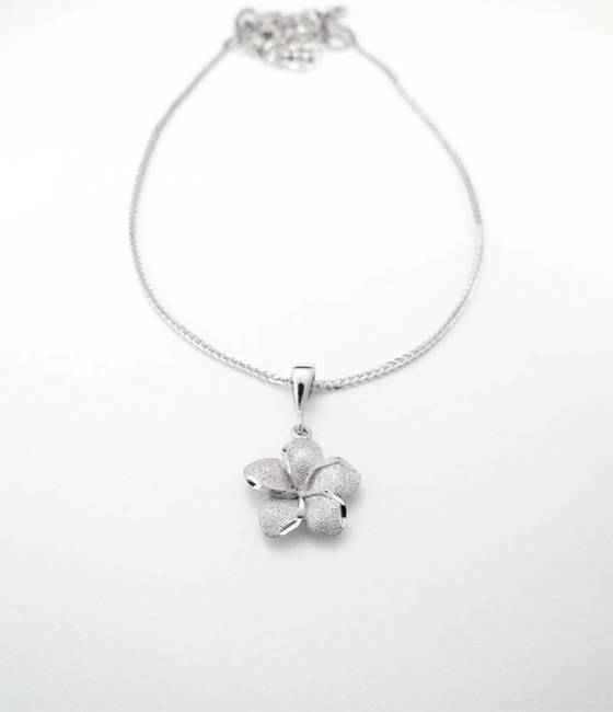necklace and larger flower rose white gold