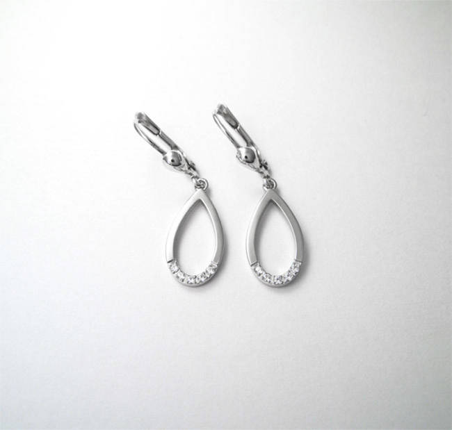 boucles d'oreilles en or ovales diamants zircon