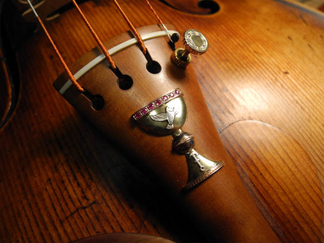violin fiddle chalice bird anchor fine tuner diamonds