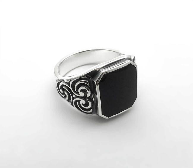 pecatni prstan onyx globoke gravure