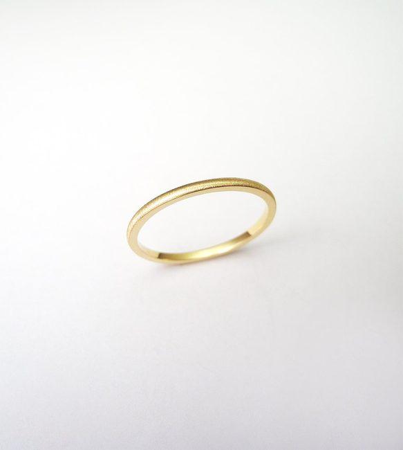 prstan minimalističen rumeno zlato mat obdelava