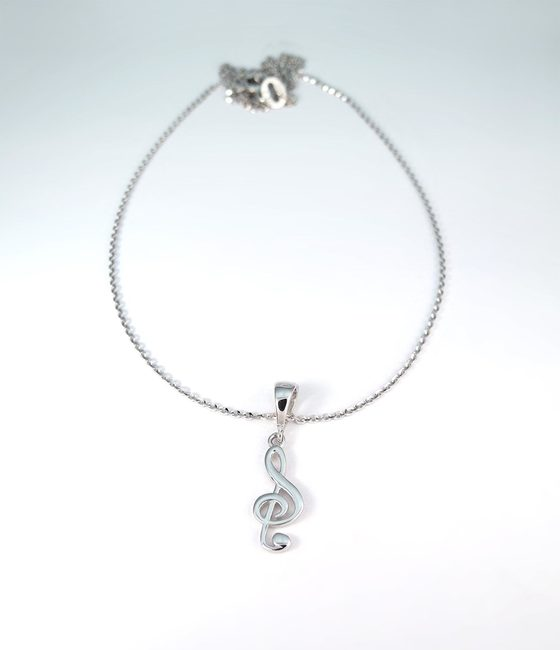 necklace and simple pendant violet key white gold