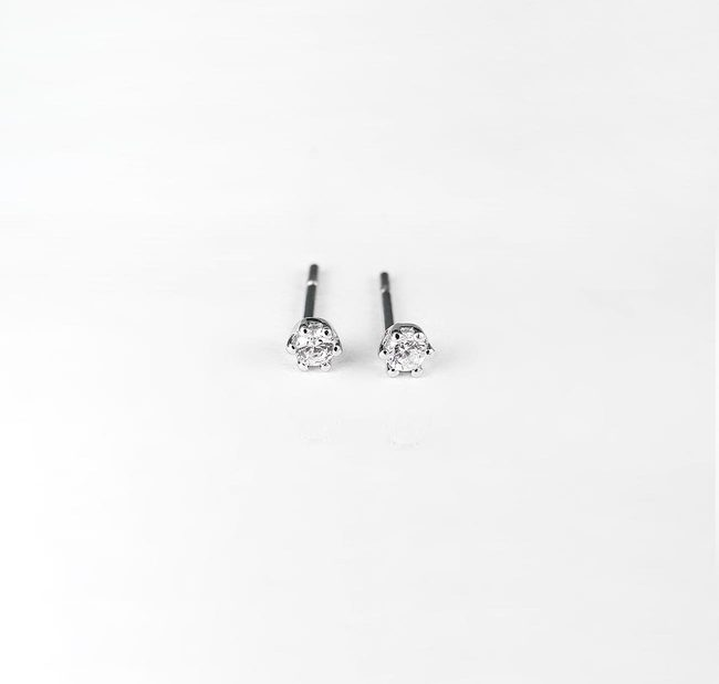 basis studs 005 ct diamanten