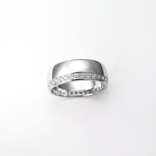 poročni prstan diamanti belo zlato