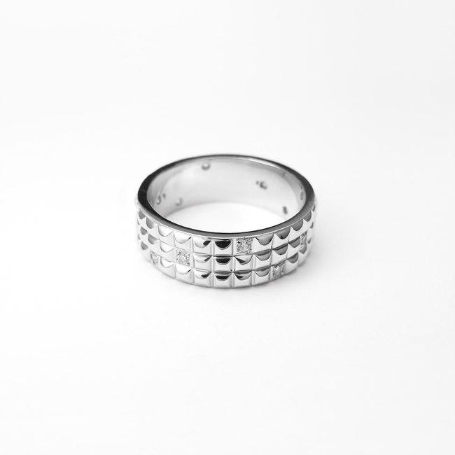 poročni prstani ponavljajoci vzorec zlato diamanti