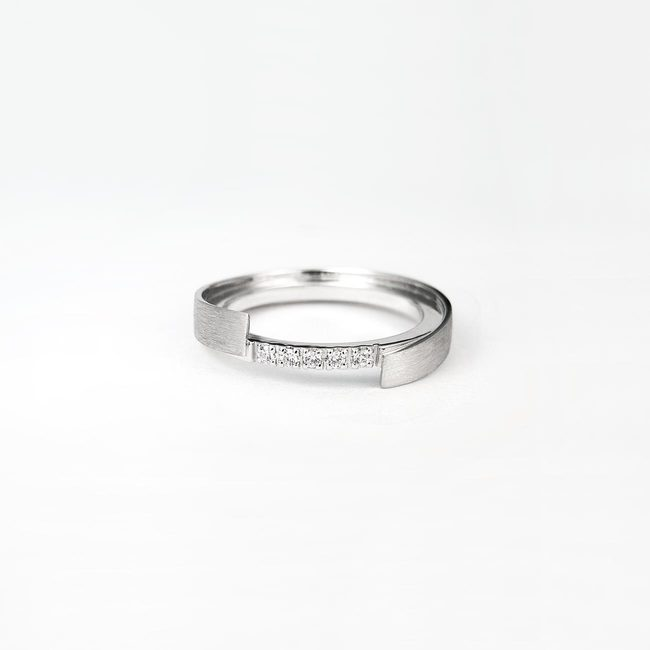 prstan poročni zamaknjen rob diamanti unikaten