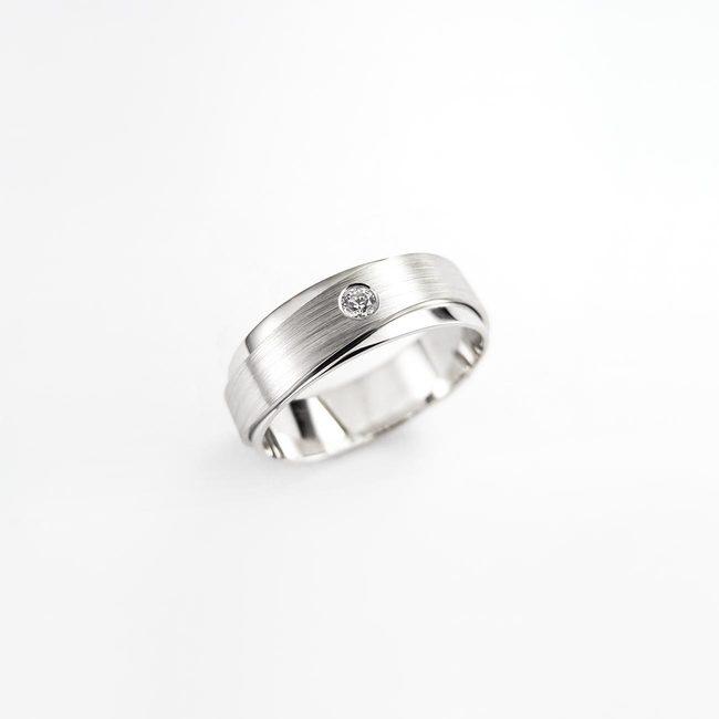 poročni prstan dve rinki briliant