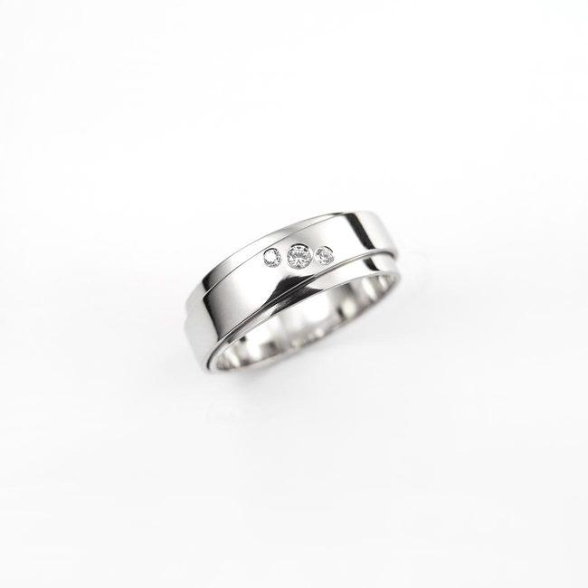 poročni prstan dve rinki brilijanti belo zlato