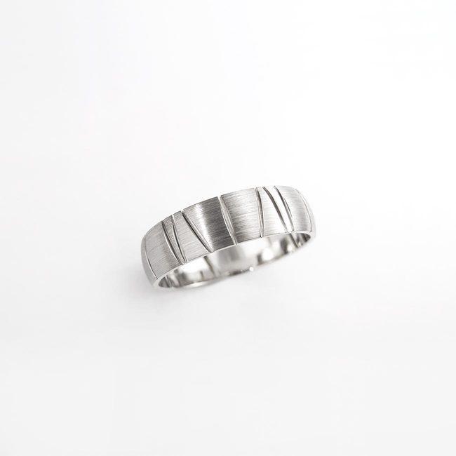 poročni prstan naravni vzorec linije pokoncne