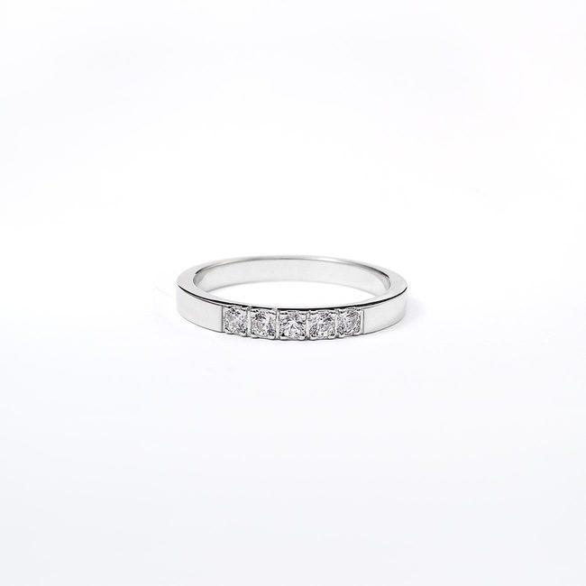 poročni prstan minimalističen