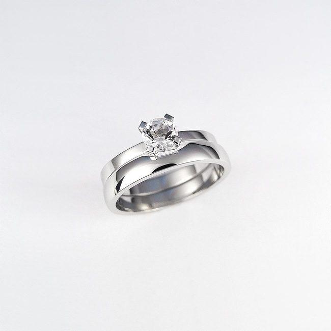 kombinacija poročni in zaročni prstan