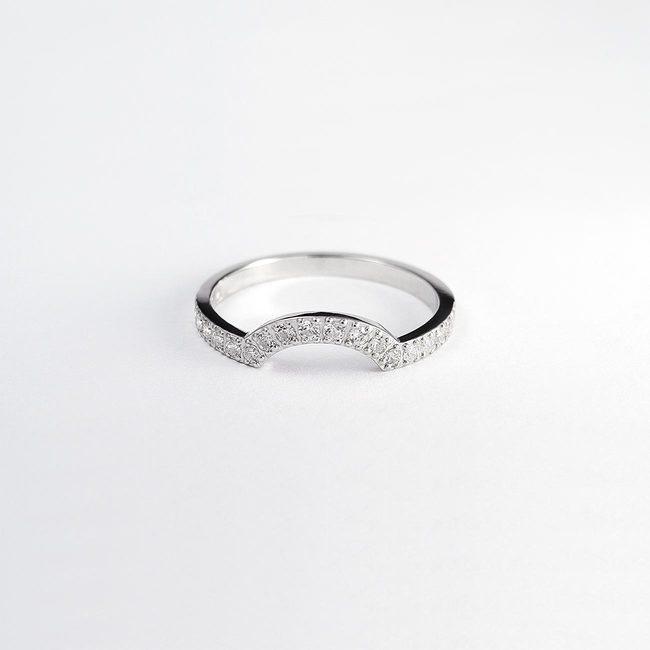 poročni prstan skupaj z zaročnim diamanti