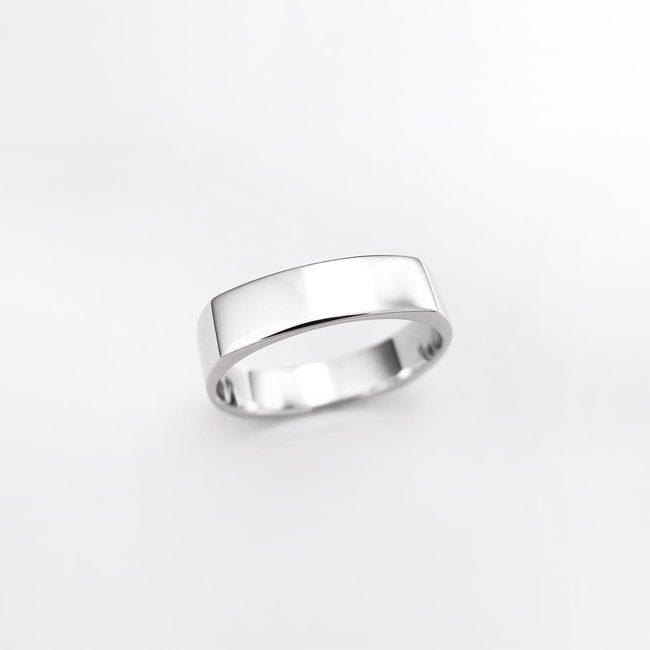 poročni prstan stirikotna oblika moški belo zlato