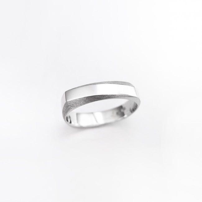 poročni prstan stirikotna oblika moški zlato