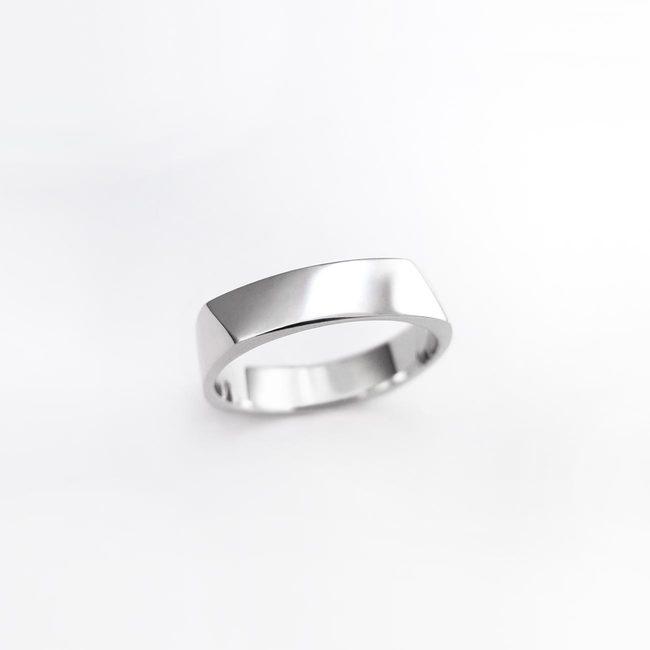 poročni prstan stirikotna oblika moški