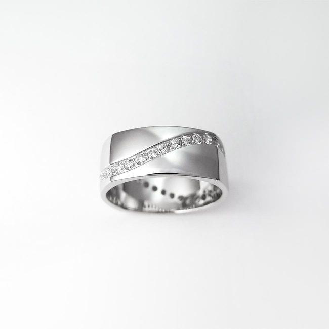 poročni prstani stirikotni zlato cirkoni