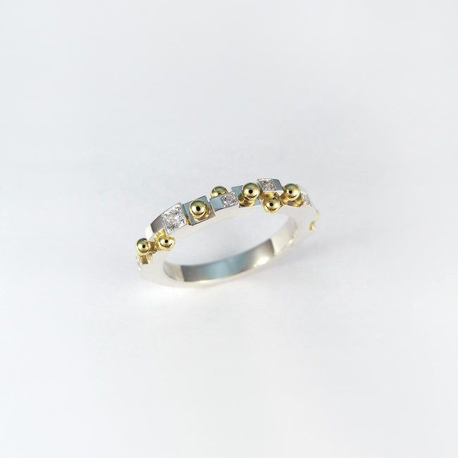 poročni prstan kroglice in diamanti